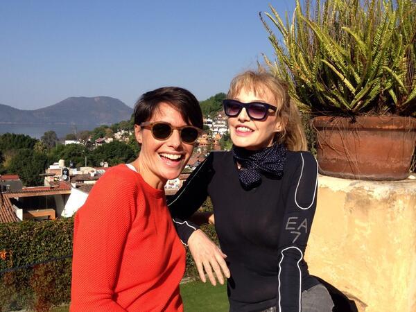 """Alessandra Sublet chez Arielle Dombasle au Mexique pour le prochain """"Fais moi une place"""""""