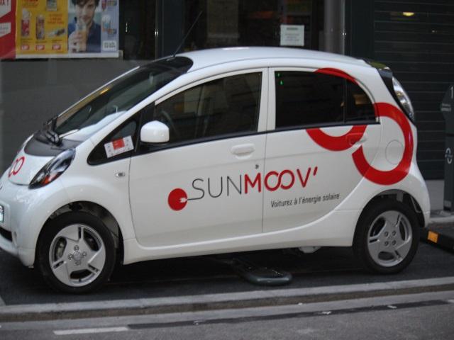 Sunmoov' : de l'autopartage électrique destinée au quartier de la Confluence