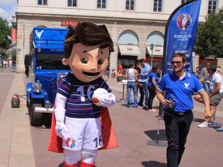 Super Victor sera la mascotte de cet Euro 2016 - LyonMag