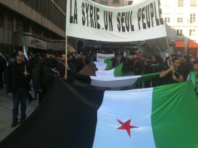 Lyon : une manifestation silencieuse en hommage aux victimes en Syrie