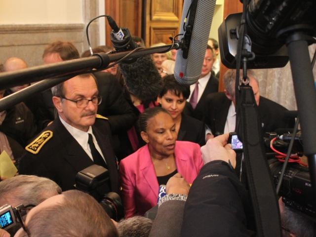 Christiane Taubira chahutée par les anti-mariage gay à Lyon