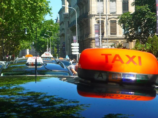 Rapportés au kilomètre, les taxis lyonnais sont parmi les plus chers au monde