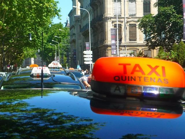 """Manifestation de taxis : """"un millier de véhicules"""" dans les rues de Lyon le 10 janvier"""
