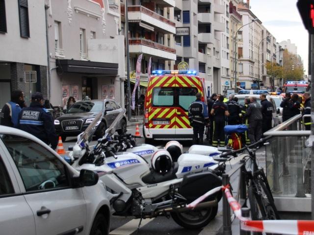 Villeurbanne : une personne tombe sur les voies du métro A