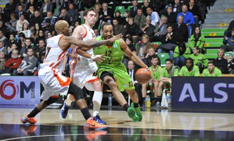 Le Villeurbannais Thompson a du s'incliner face aux Ukrainiens - Photo DR ASVEL Basket