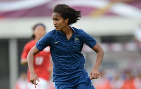 Wendie Renard, habituée des buts de la tête avec Lyon ou la France - DR