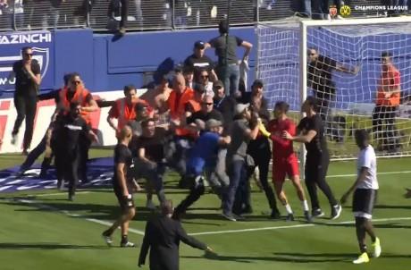 Mathieu Gorgelin agressé par des supporters de Bastia - Capture d'écran