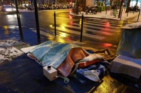 Les nuits sont rudes pour les SDF - DR