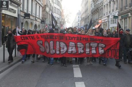 Une banderole du collectif 69 de vigilance contre l'extrême-droite - DR