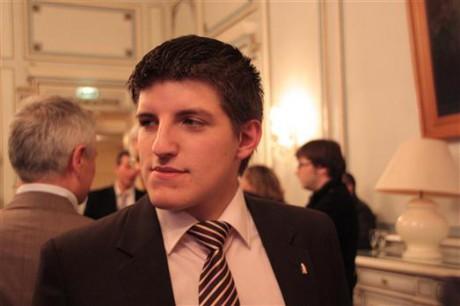Alexandre Gabriac avait été exclu suite à la parution d'un cliché sur lequel il faisait un salut nazi - LyonMag