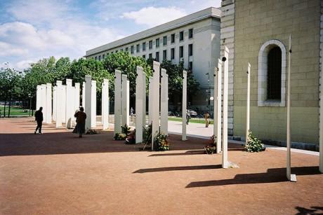 Le mémorial de la place Antonin Poncet - LyonMag