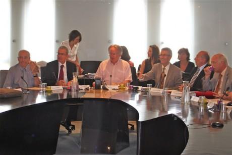 Au centre (en chemisette rose), Bernard Rivalta, président du Sytral - Photo LyonMag