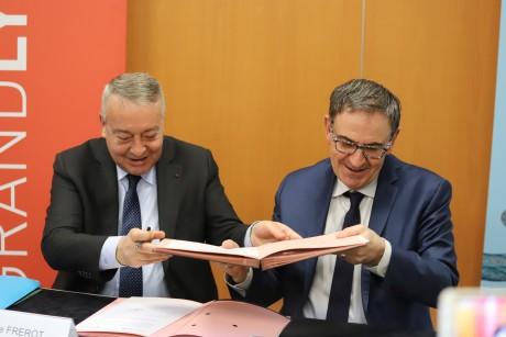 Signature de l'accord-cadre entre Veolia et la Métropole de Lyon - LyonMag