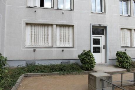 Volets fermés, l'appartement où s'est déroulé le drame dans la nuit de dimanche à lundi, boulevard des Etats-Unis à Lyon - LyonMag