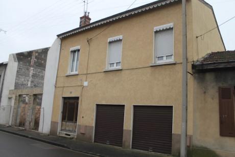 Au 21 rue Gabriel Péri à Oullins, ou a été découvert le corps de l'octogénaire jeudi - LyonMag