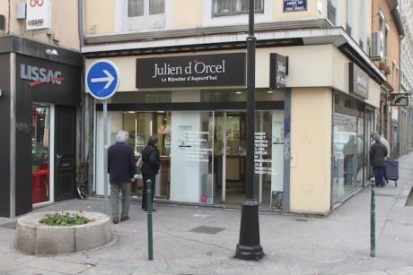 La bijouterie Julien d'Orcel de la Croix-Rousse quelques minutes après le braquage - DR