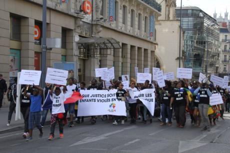 Les manifestants ont dénoncé les abus sexuels des militaires français en Centreafrique - LyonMag