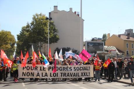 Entre 3 500 et 10 000 personnes ont manifesté à Lyon ce jeudi - Lyonmag.com