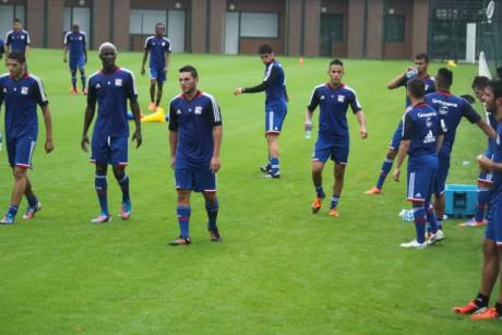 L'OL à l'entrainement en compagnie des jeunes - LyonMag.com