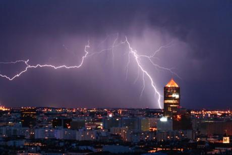 3200 éclairs ont été enregistrés le 7 juin dans le Rhône - DR