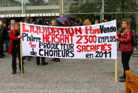 Devant le tribunal de Lyon jeudi matin, les salariés n'y croient plus. paru vendu a été liquidé - LyonMag
