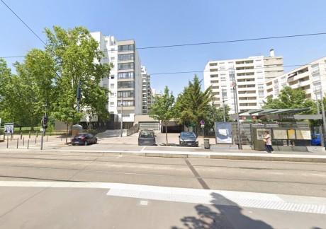 Les coups de feu ont été tirés près de cette station de tramway - DR