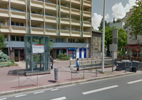 Les faits se sont déroulés à la station de métro Monplaisir-Lumière - DR Google