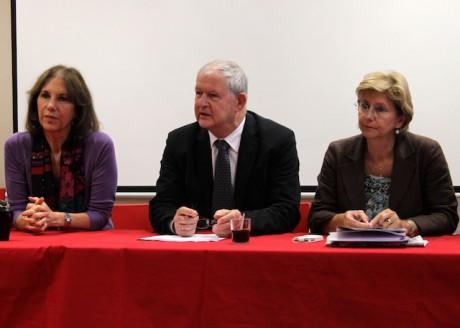 Martine Roure, Jacky Darne et Annie Guillemot à la fédération PS du Rhône mercredi matin - LyonMag