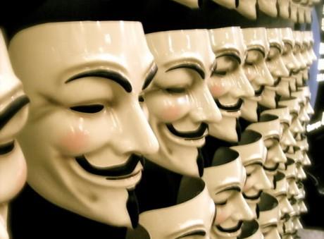 Le célèbre masque porté par les membres du mouvement Anonymous - DR