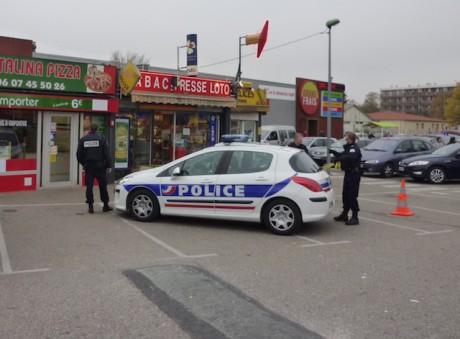 Le bureau de tabac, peu de temps après le braquage en 2011 - LyonMag