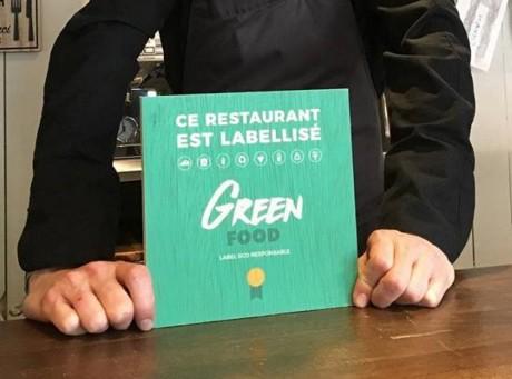 Le restaurant « Les Deux Brindilles » (Lyon 2e) recevant le label éco-responsable