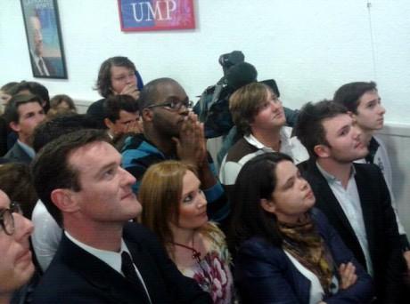 Michel Havard et les militants lors des résultats - LyonMag