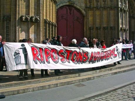 Les banderoles du collectif 69 de vigilance contre l'extrême-droite - DR