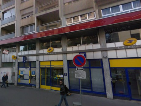 La poste Charpennes du 38 cours Emile Zola - Photo GoogleMaps