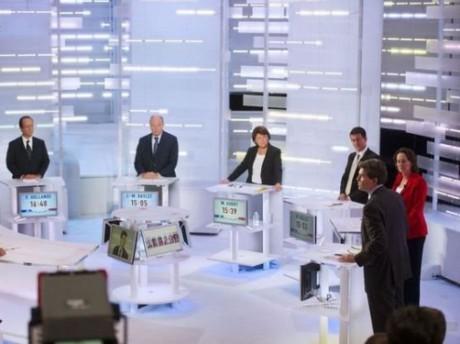 Les 6 candidats sur le plateau d'i-Télé - © DR lexpress.fr