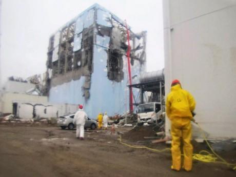 La centrale de Fukushima après le tsunami - DR