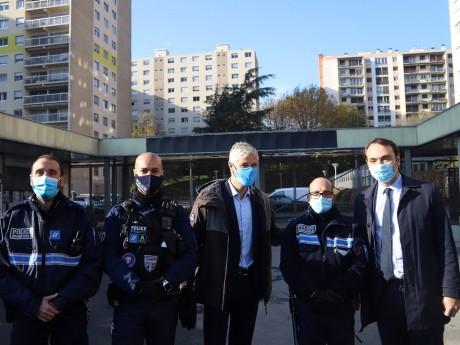 Laurent Wauquiez en visite à Bron ce vendredi matin - LyonMag