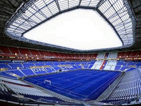 La pelouse bleue du Grand Stade - DR OL