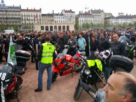 Motards lors d'une précédente manifestation place Bellecour