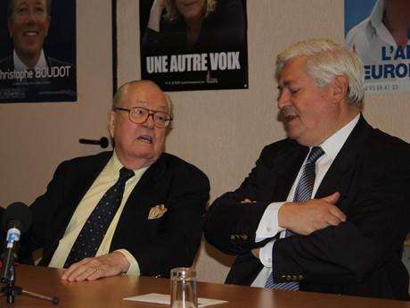 Jean-Marie Le Pen et Bruno Gollnisch lors d'une visite à Lyon - LyonMag