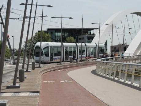Le T1 va délaisser le pont Raymond-Barre cet été - LyonMag