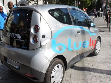 La Bluecar, bientôt rejointe par des Twizy - LyonMag