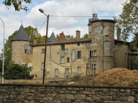 Le Château de la Motte veille sur le parc Blandan - LyonMag
