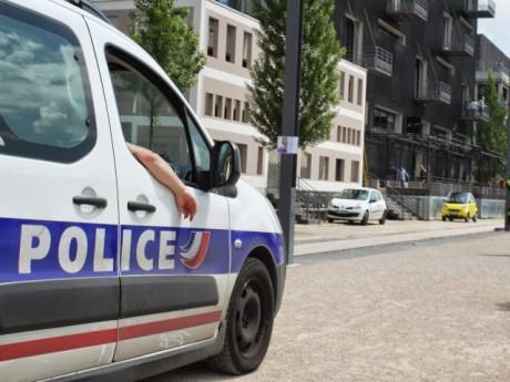 Une patrouille de police quai Rambaud - LyonMag