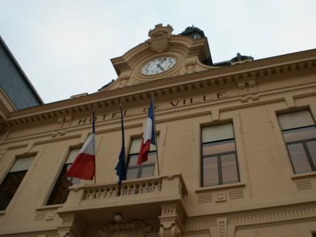 La mairie de Villefranche - LyonMag