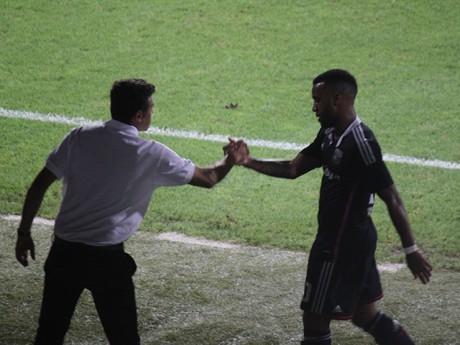 Alexandre Lacazette et son coach Hubert Fournier - LyonMag