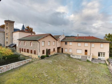 Le château de Longeval dans la vallée d'Azergues - DR AgoraStore
