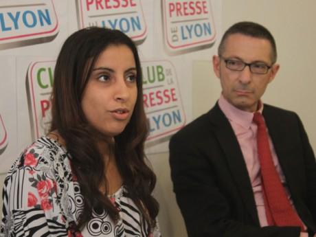 Meriam Rhaiem, la mère de la petite Assia, ici avec son avocat - LyonMag