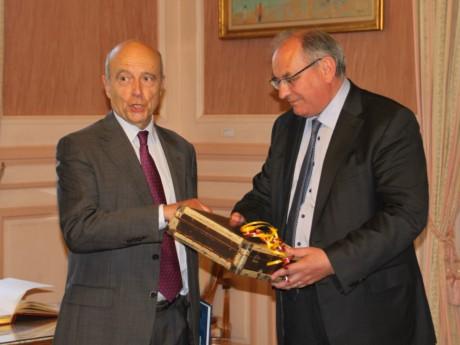Bernard Perrut, lors de la récente visite d'Alain Juppé à Villefranche - LyonMag
