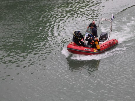 Les plongeurs en action - LyonMag.com
